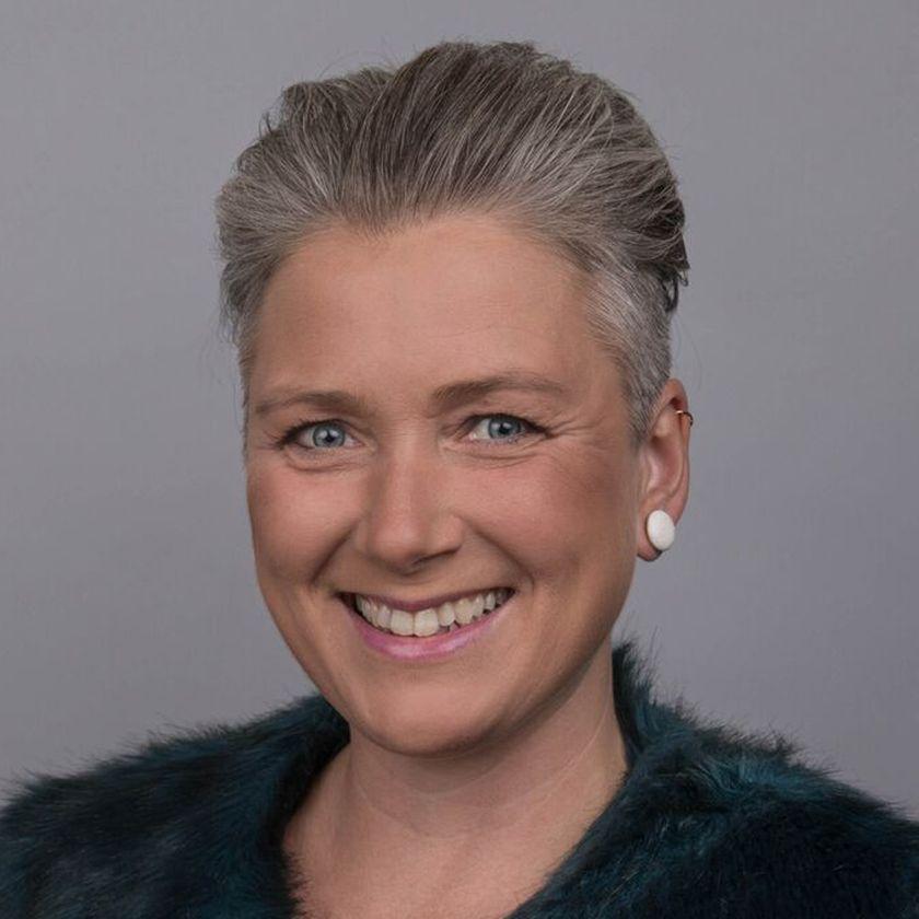 Anja H. Holtze