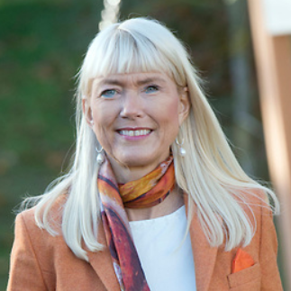 Portrætfoto af Mai-Britt Iversen