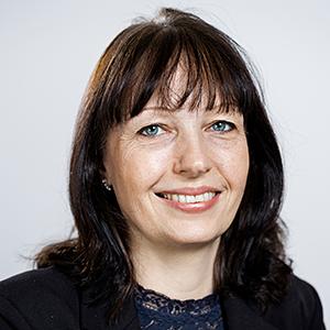 Portrætfoto af Karin Friis Bach